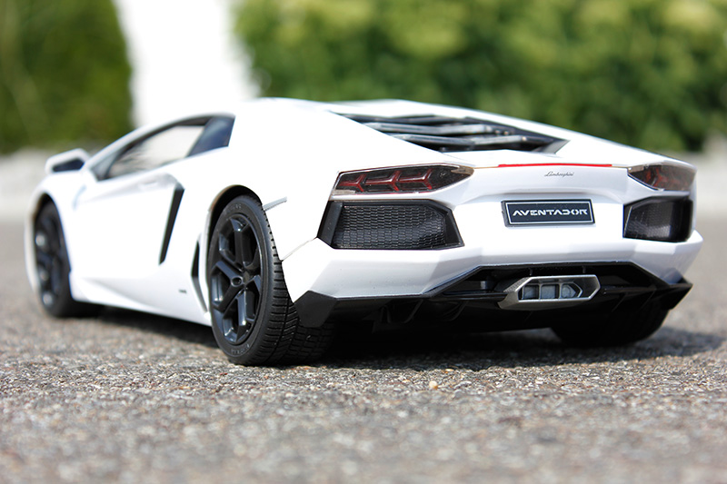 rc jamara lamborghini aventador weiss detailliertes. Black Bedroom Furniture Sets. Home Design Ideas